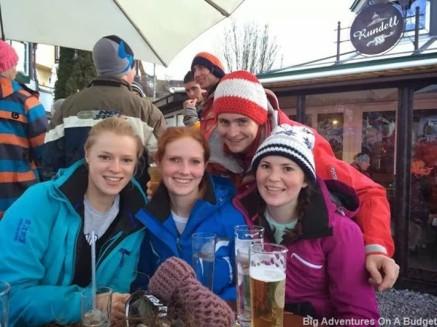 Contiki friends snowboarding