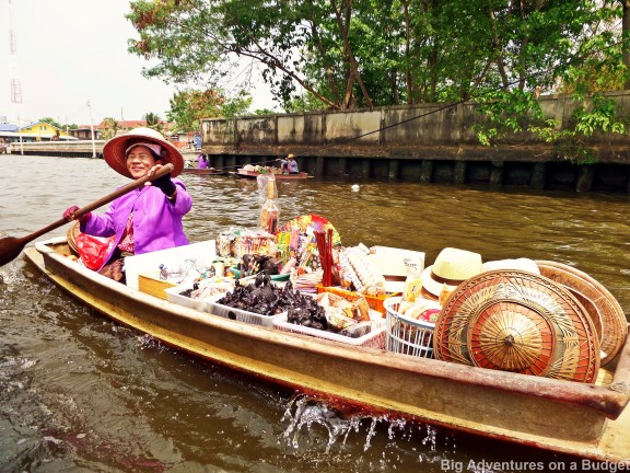 Floating markets on the river